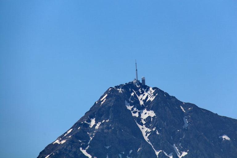 Zoom sur le Pic du Midi de Bigorre.