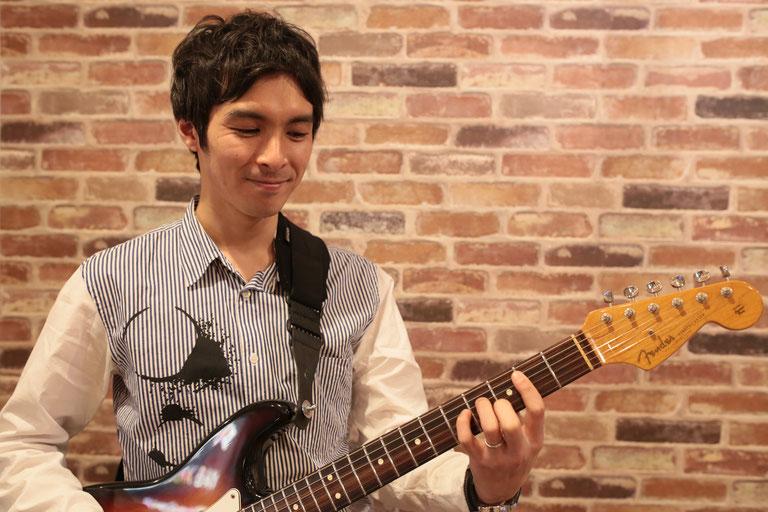 浅見出 ギター