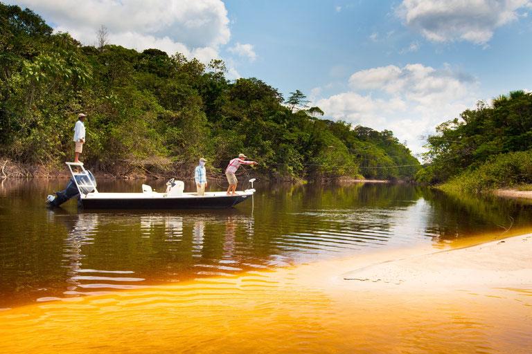 FFTC.club - Untamed Angling Brazil - Marie Rio de Gigantes - Fly Casting the shore
