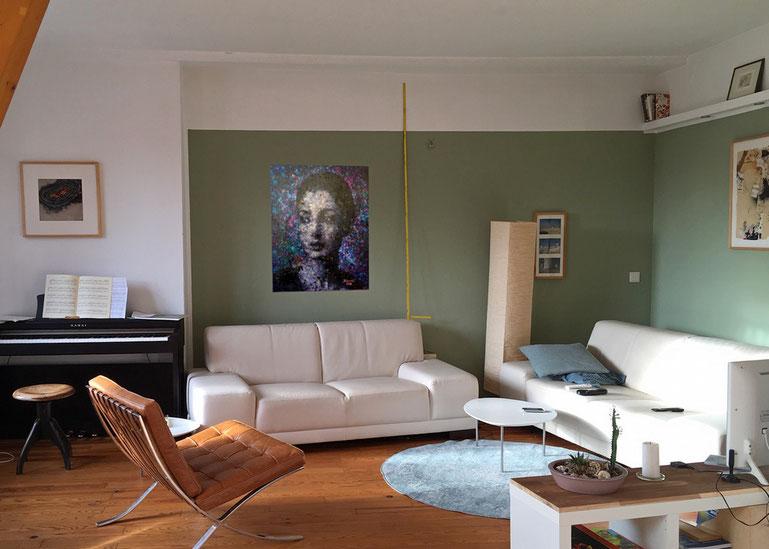 Fotomontage um zu zeigen, wie ein Gemälde im Wohnzimmer wirkt