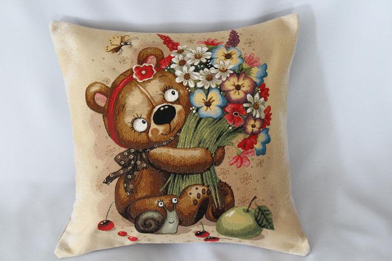 """Gobelinkissen """"Teddybär mit Blumenstrauß"""" Zierkissen Sofakissen Dekokissen"""