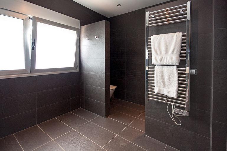 WC, Bidet und Dusche