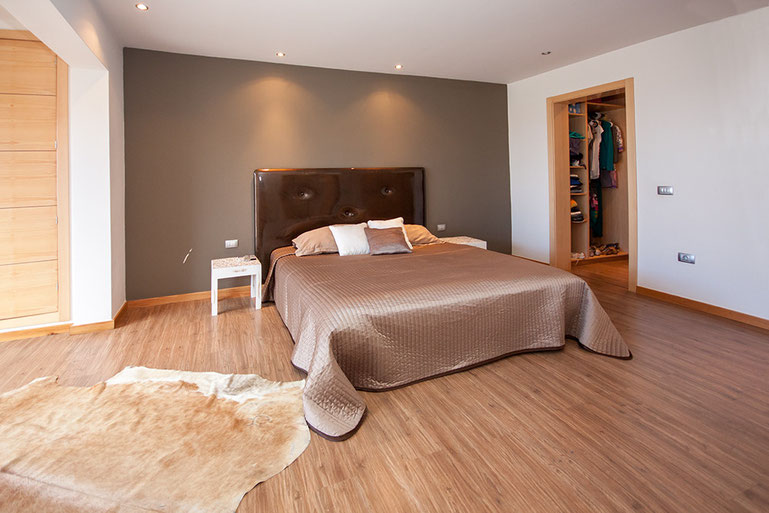 Elternschlafzimmer mit Ankleideraum