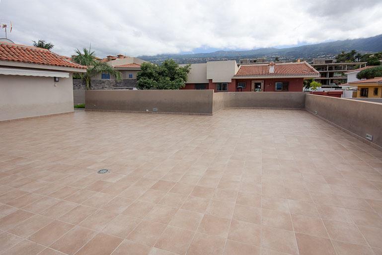 XXL-Terrasse mit Blick in den Süden