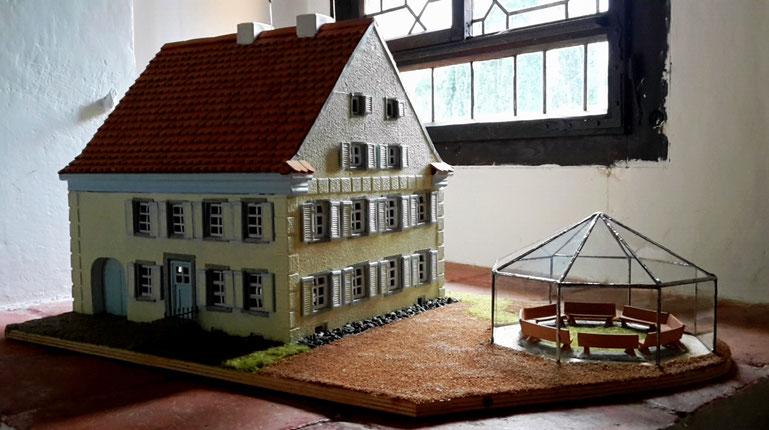 Modell des Lebensklosters mit einem Entwurf der GlasRotunde