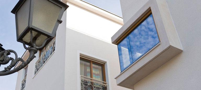 Ein abgeschlossenes Projekt der 3B Denkmalpflege & Bausanierung GmbH an der Fassade