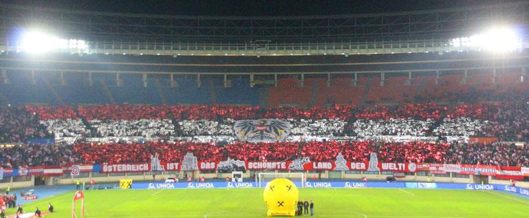 Choreografie der Österreich-Fans Hurricanes im Happel Stadion beim Spiel gegen Polen im Rahmen der Europameisterschaftsqualifikation 2020