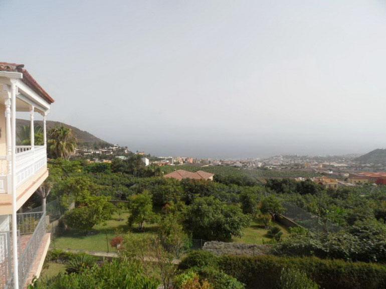 Panoramablick äuber Puerto de la Cruz von der Finca.