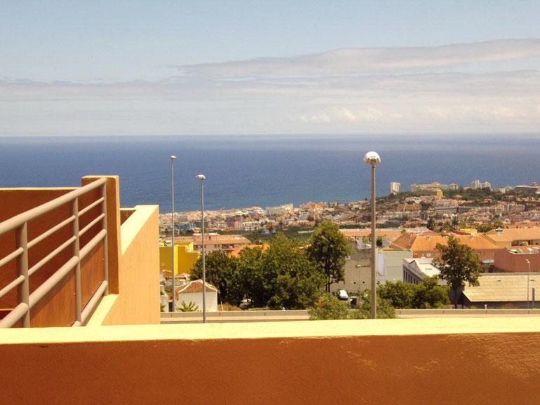 Von der Terrasse der Immobilie hat man einen Blick auf Puerto de la Cruz.
