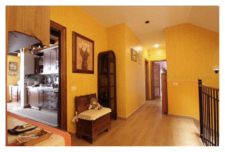 obere Etage mit Eingang zur Küche
