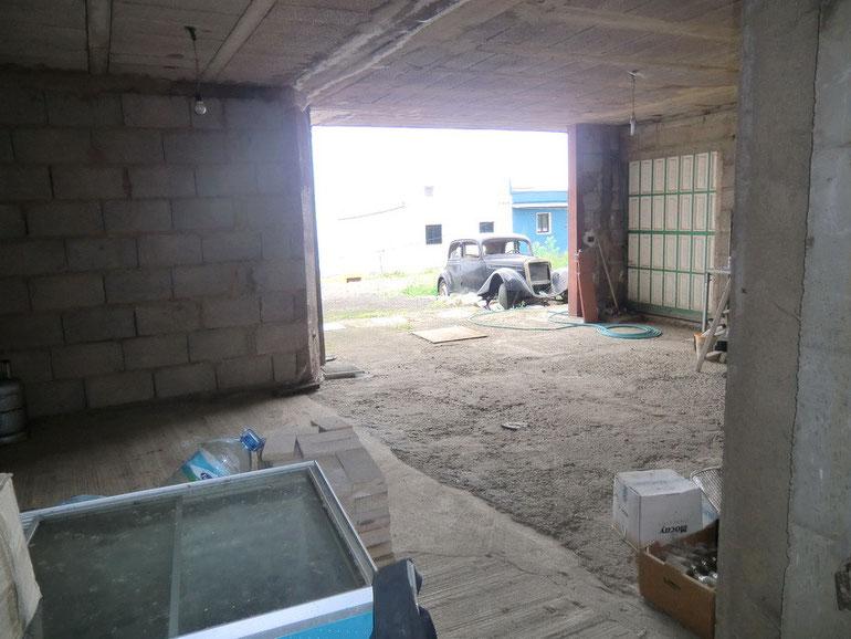 Garage unten