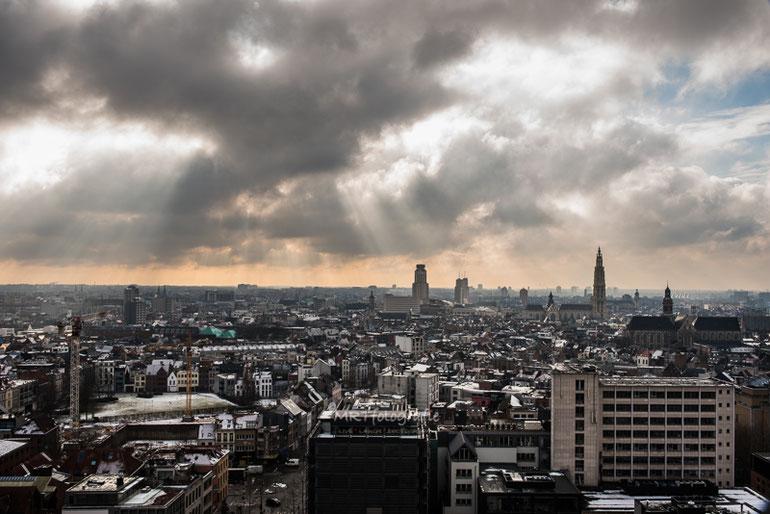 Zicht over Antwerpen vanaf het MAS( Museum aan de stroom) te Antwerpen