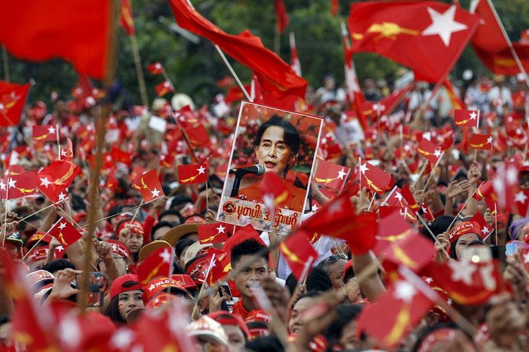 民主化運動