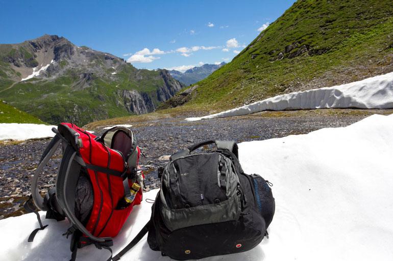 Forarlbergo Alpių viršūnės vasarą apsikloję sniegu