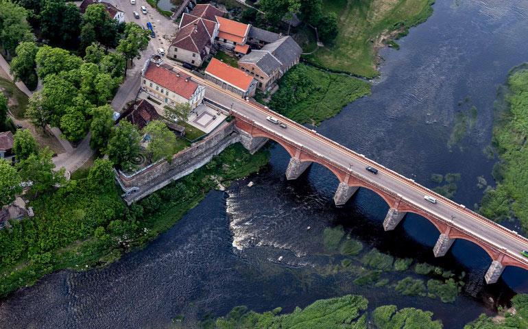 Caro laikais statytas plytinis tiltas per Ventą Kuldygoje / Foto: Artis Gustovskis