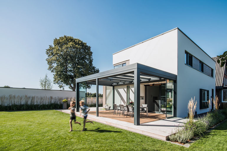 Solarlux Terrassendach Acubis Überdachung Garten Terrasse Glas Outdoor Living Sommer Frühling Haus wohnen Schreinerei Jertz Mainz