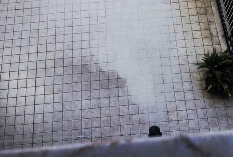 cosa fare se il tubo di scarico del vicino non è a norma  e come comportarsi sulla distanza minima tra balconi e finestre uni 7129 per caldaie a condensazione in condominio nella regione piemonte