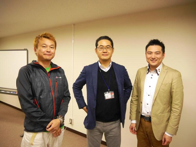 講師集合写真 左から、張田満さん・原田塾長・大久保実さん