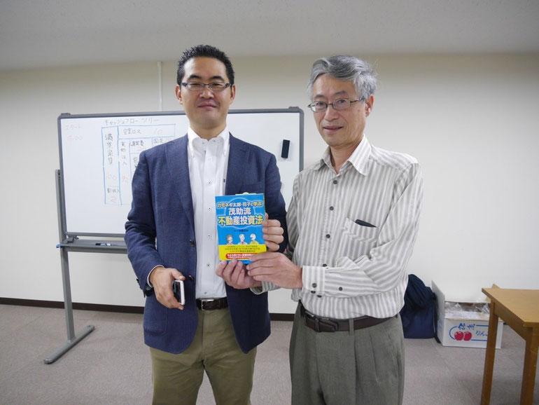 講師集合写真 左から、原田塾長・加藤隆さん