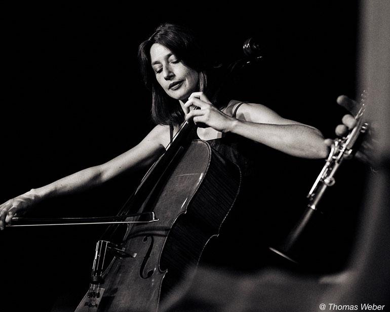 Raphaële Murer, Violoncelliste, musique du monde, volver events