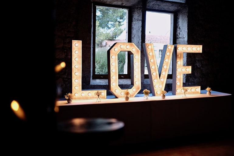 Mariage Château Pech-Celeyran, LE LOVE Mariage, Lettre Love, Dj mariage narbonne,  château Pech redon, la parenthése nature, Mariage château de la mogére, château de roquelune,