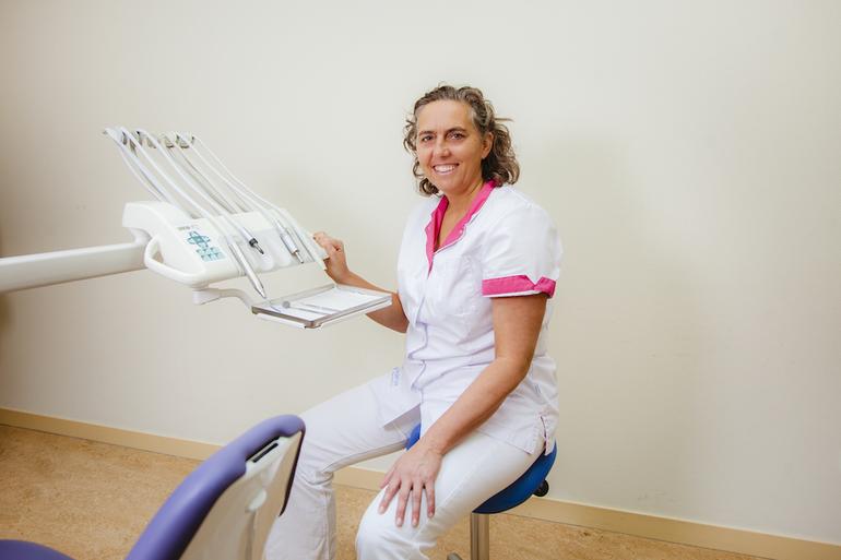 Machteld van der Lee, tandarts in Leeuwarden