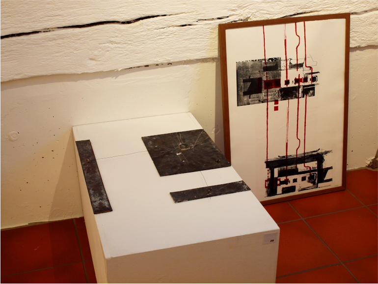 Bronzeplastik und Litho bei Ausstellung im Kunstverein Ditzingen; Micha Hartmann, Esslingen
