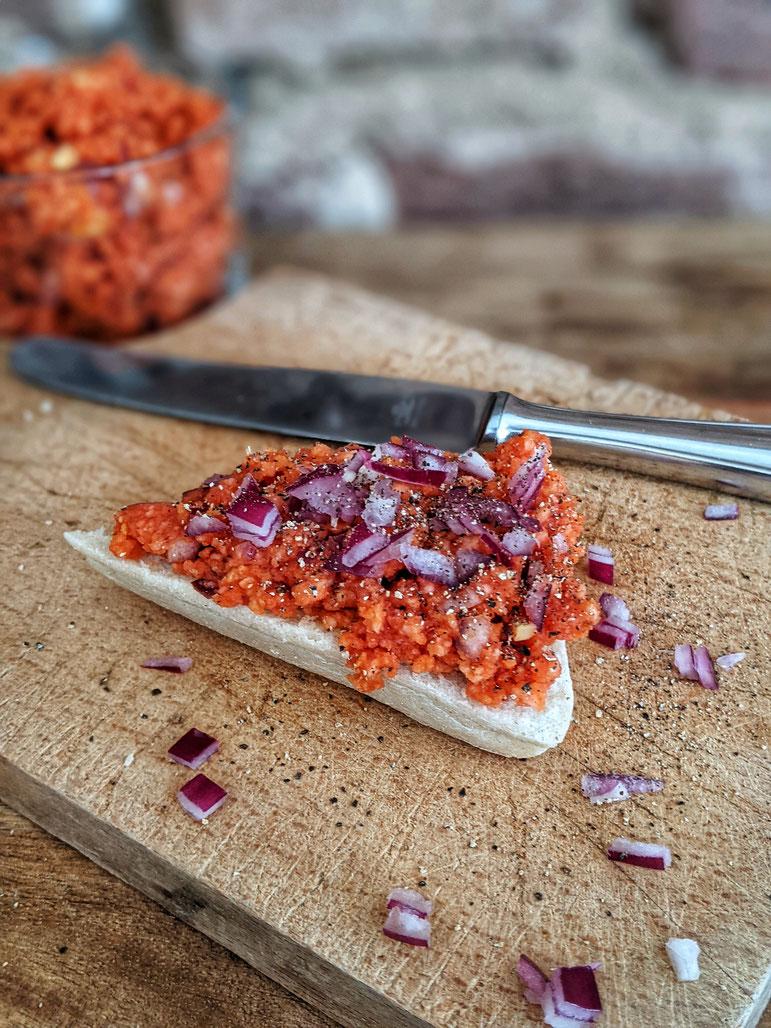 die Essklasse der alten Dorfschule - veganes Mett - eine Alternative zu Fleisch