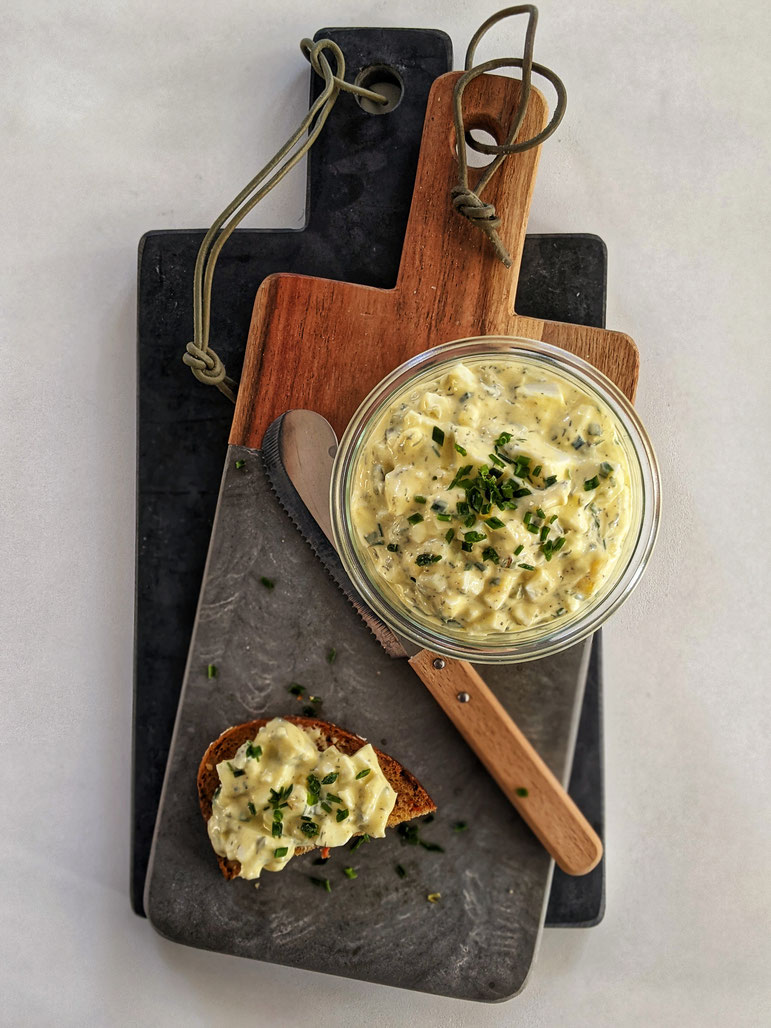die Essklasse der alten Dorfschule - Eiersalat - cremig und köstlich