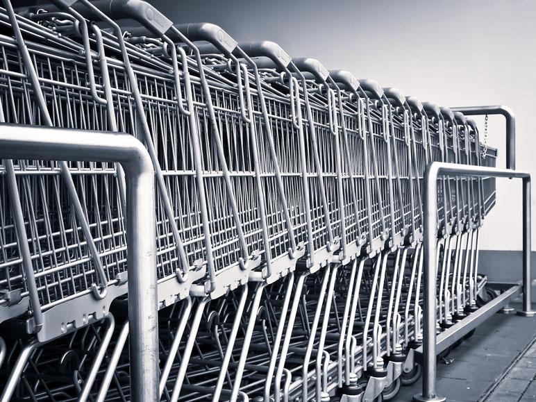 carritos des compra apilados