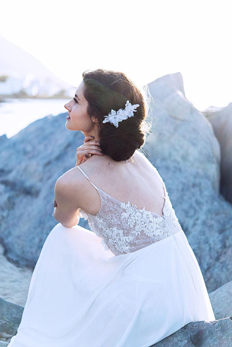 Fascinator aus Spitze. Brauthaarschmuck 2019 2020 - Bohemian Vintage Kopfschmuck in Ivory. Spitzen Haarschmuck. Lace Headpiece wedding. Lace Fascinator for the boho look.