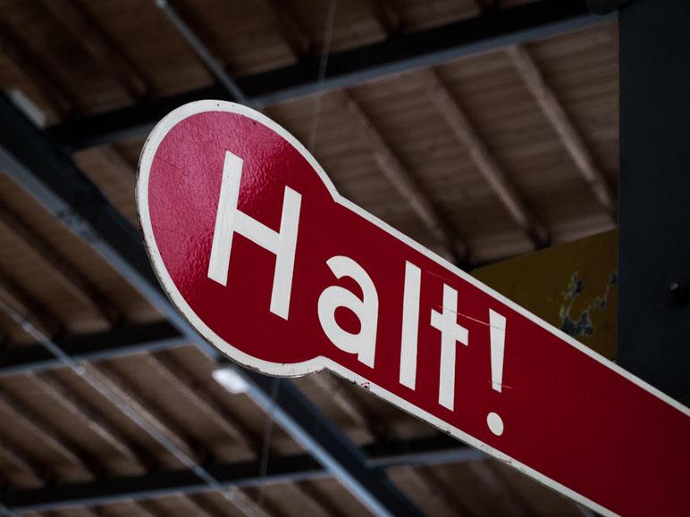Halt - Schild