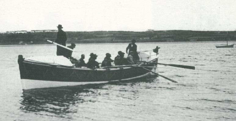 Le canot de sauvetage de Perros :  Amiral-Mallet-Athanase lors d'une sortie d'entrainement à la rade