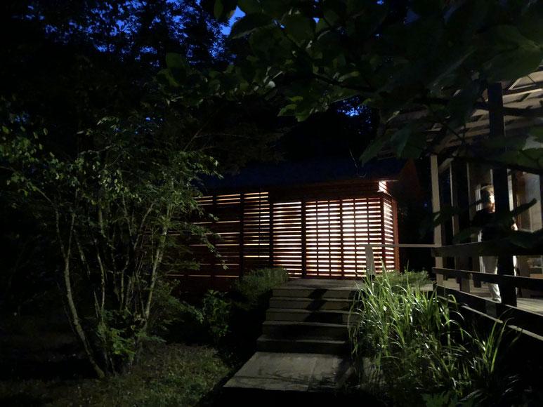 平岡文庫の夜景。