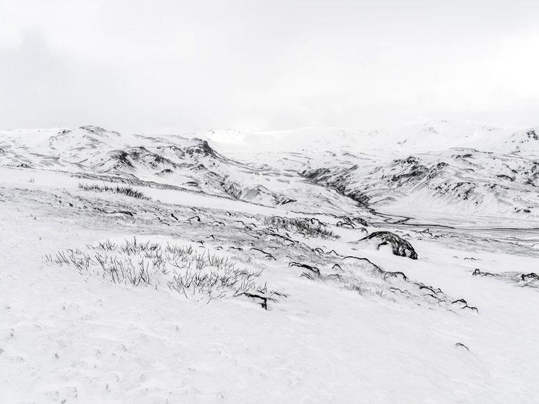 Gemäldeartige, winterliche  Landschaftsaufnahme als Farb-Photographie, Island/Iceland