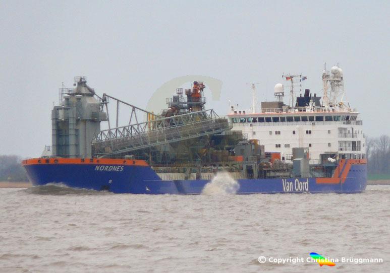 Van Oord Fallrohr-Schiff NORDNES, Elbe 06.03.2019