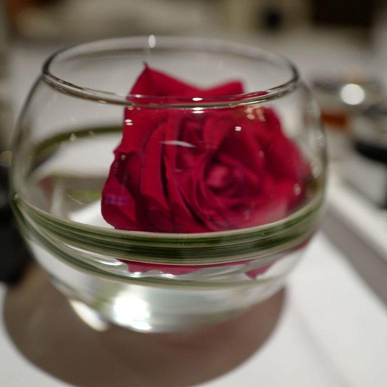 画像: Leica Q  帝国ホテル レセゾンのバラ