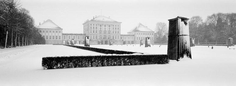 Wintermotiv Nymphenburger Park  München, Bayern, im Schnee in schwarzweiß als Panorama-Photographie