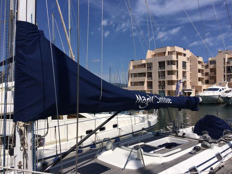 Fabrication sellerie nautique : lazy-bag et taud de bôme dans les Alpes-Maritimes 06, à Cannes, Nice et Monaco.