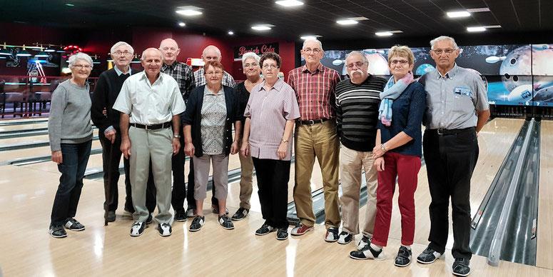Douze participants au bowling de Vitré le 18 octobre