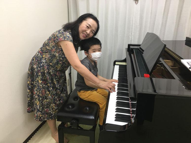 文京区西片ピアノ教室 レッスン風景