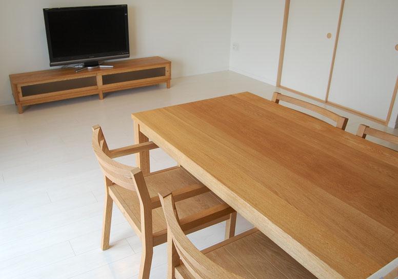ナラのシンプルテレビボードとシンプルダイニングテーブルセット(八王子市・S様邸)