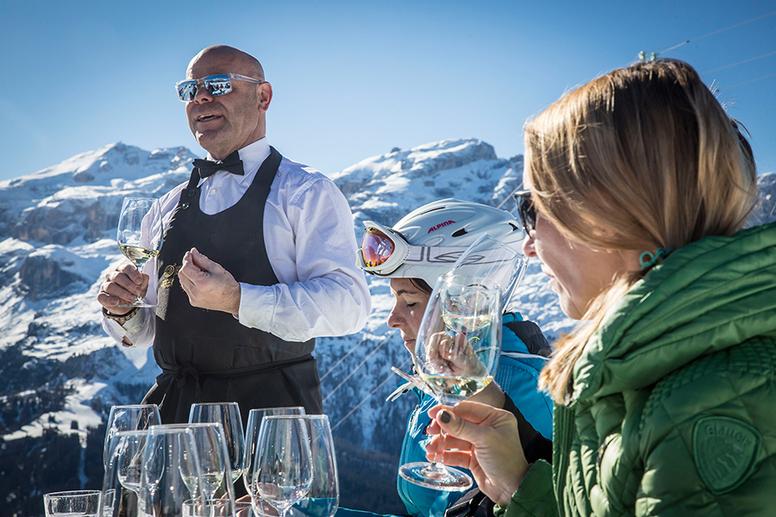 Sommelier in pista I vini dell'Alto Adige sulle piste dell'Alta Badia GOURMET SÜDTIROL