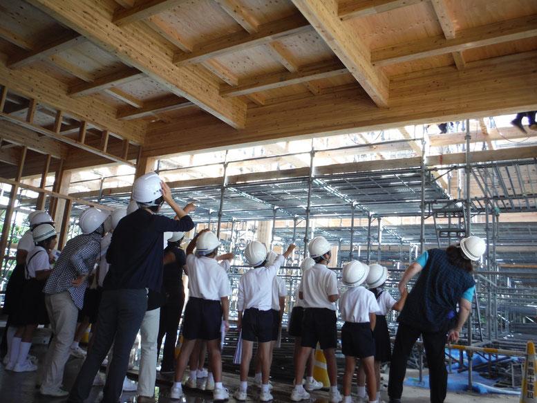 菱刈小学校生徒さんの見学会も行われました