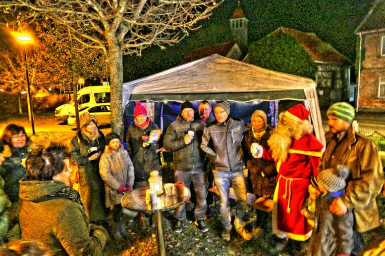 Gemeinsam sang man Weihnachtslieder....es war wie im Märchen.....