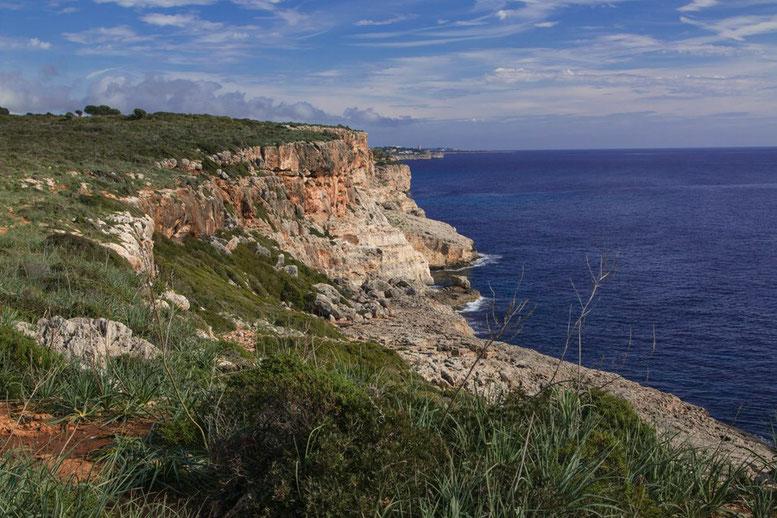 Wanderung von der Cala  Romantica zur Cove des Pont