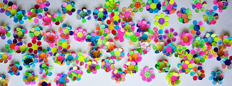Petit coloriage commun. Des fleurs encore des fleurs...