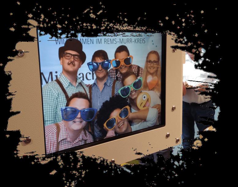 Fotobox mieten in Aalen Photobooth mit Hintergrund