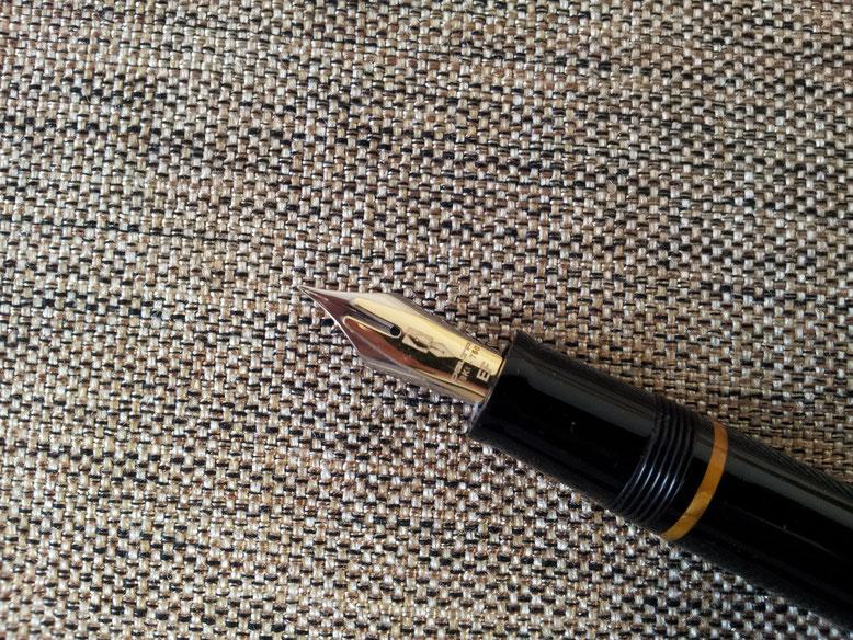 Hier mit Fusion-Feder. Üblicherweise tragen diese Halter eine rhodinierte 14-K-Goldfeder.