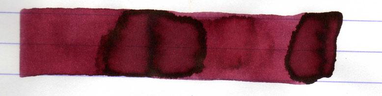 ... und darunter nochmals die Diamine Tyrian Purple.